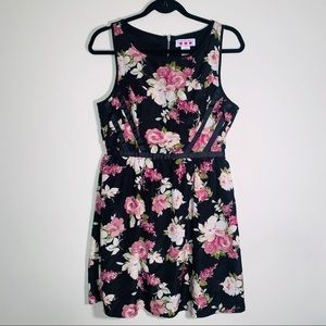 Three Pink Hearts Floral Rose Dress sz 9